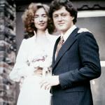Hillary je bila že kot študentka zelo ambiciozna in v tem sta si bila z Billom zelo podobna. Skupaj sta bila še močnejša. Poročila sta se leta 1975. (foto: Profimedia)