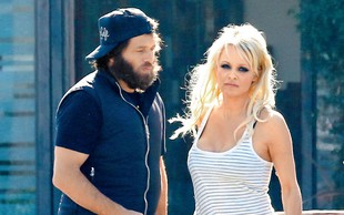 Pamela Anderson z izsiljevanjem do milijona dolarjev