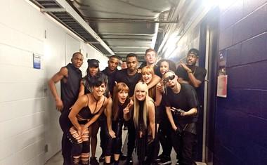 Nika Kljun na odru z Justinom Bieberjem