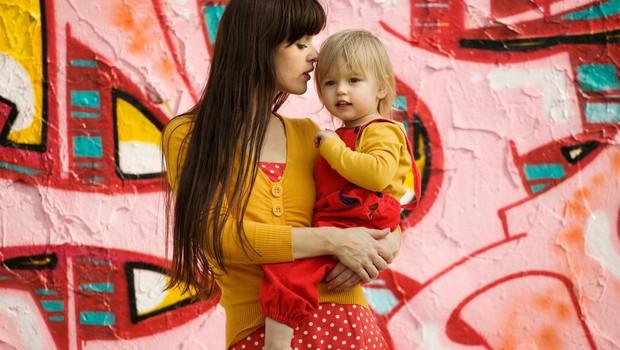 P&G v sodelovanju s Hoferjem pomaga materinskim domovom in varnim hišam (foto: profimedia)