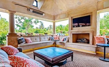 Denise Richards prodaja svojo luksuzno hišo