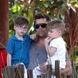 Ricky Martin je dvojčkoma Matteu in Valentinu napisal ganljivo pismo