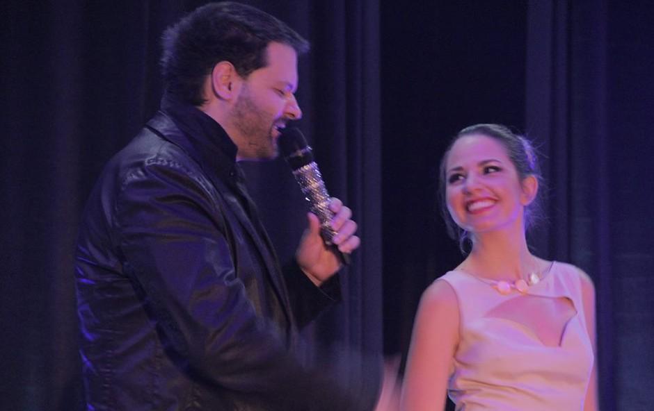 Iztok Gartner s šopkom lepotic na premieri albuma Marie Masle (foto: Iztok Gartner, Boštjan Završnik )