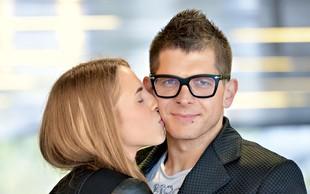 Klemen Bunderla in Kaja Kavčič sta se romantično zaročila v Parizu!