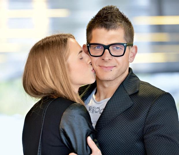 Klemen Bunderla in Kaja Kavčič sta se romantično zaročila v Parizu! (foto: Primož Predalič)