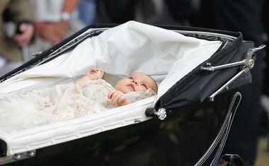 Vse o krstu male Charlotte z britanskega dvora!