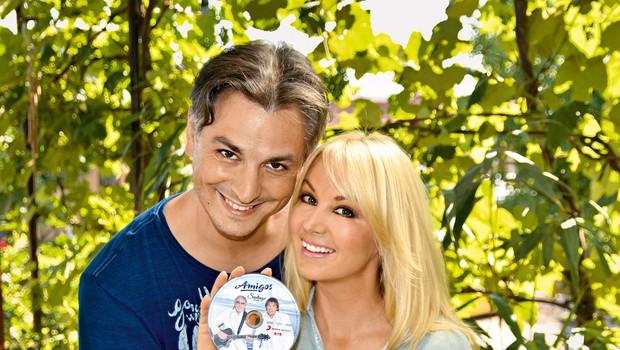 Miha in Saška sta v tujini postala zelo uspešna. Album dueta Die Amigos, Santiago Blue (na katerem sta njuni dve pesmi in naslovni singel), zaseda prvo mesto uradnih prodajnih lestvic v Nemčiji, Avstriji in Švici. (foto: Primož Predalič)