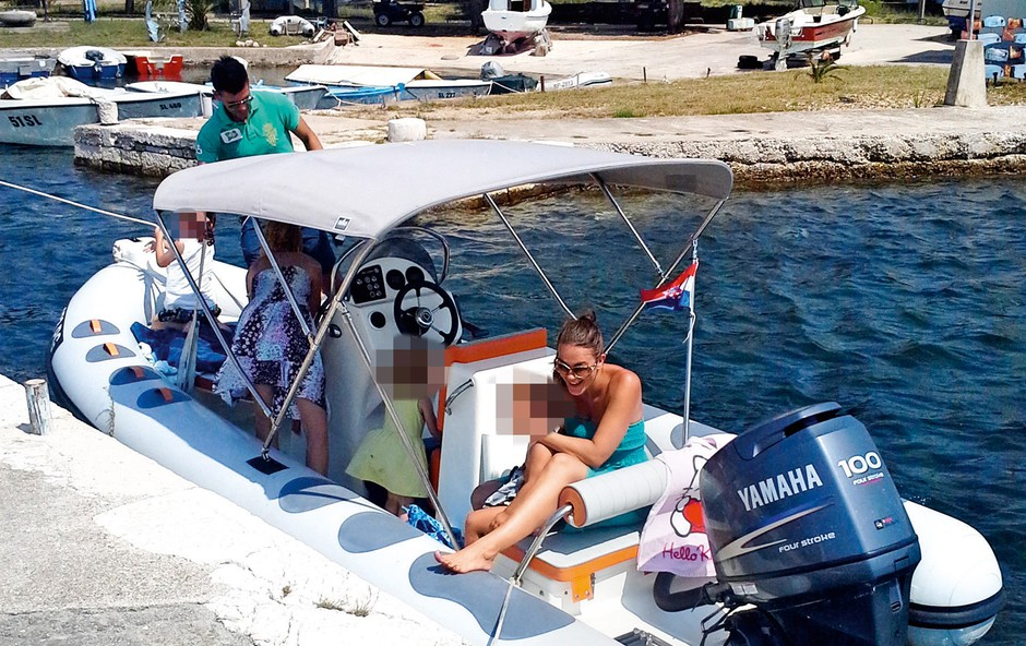 Rebeka Dremelj z 'gumico' po otokih (foto: N. Divja)