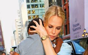 Charlize Theron posvojila še enega otroka