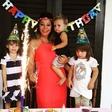 Neda Ukraden z družino praznovala 65 rojstni dan