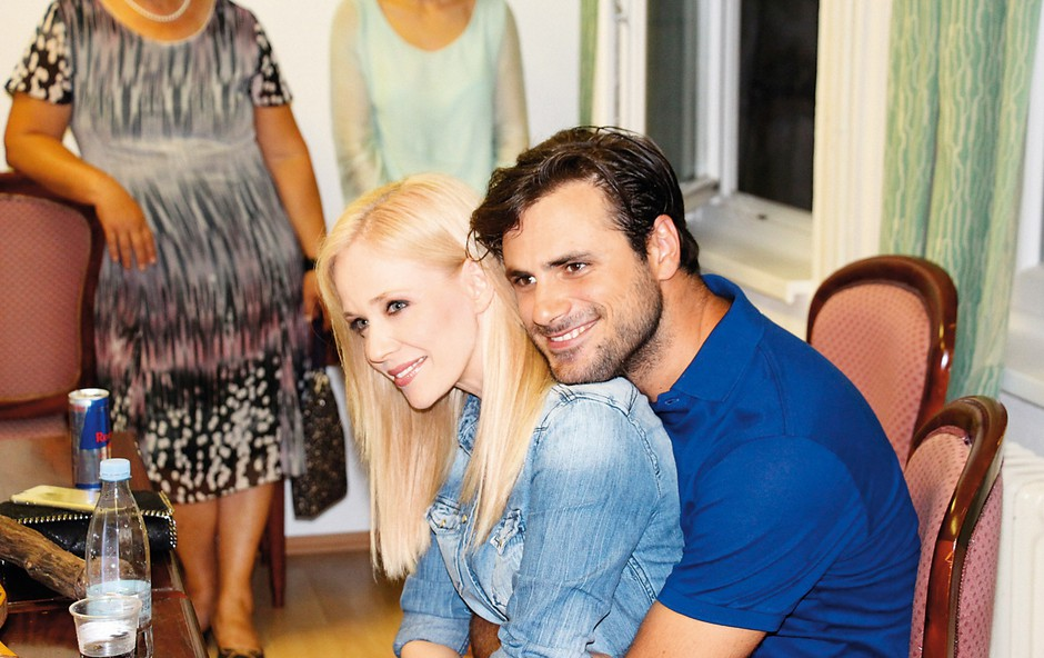 Lep par v  objemu  –  Stjepan Hauser  in hrvaška  pevska diva  Jelena Rozga. (foto: osebni arhiv)