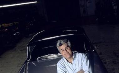 130 odtenkov Jay Lenovih avtomobilov