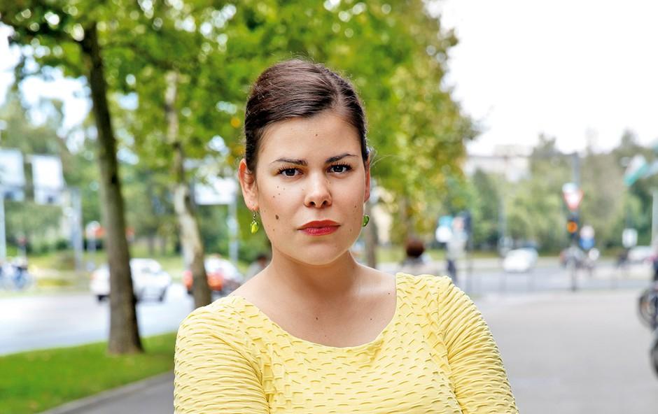 Zakaj je Ano Marijo Mitić odpeljal rešilec? (foto: Helena Kermelj)