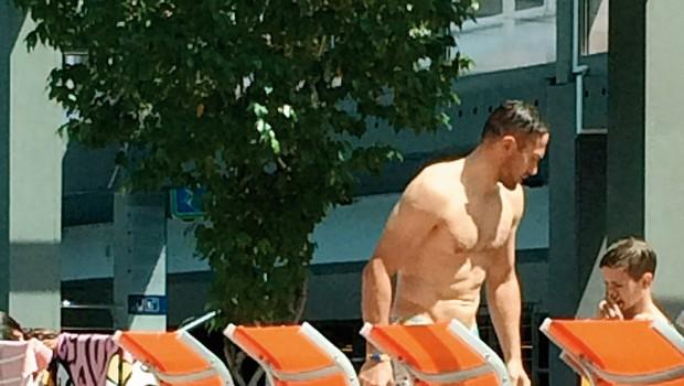 Jure Košir privabil poglede s svojimi mišicami (foto: Nova Press)