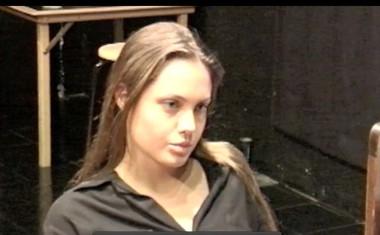 Tako se je Angelina Jolie pri 25tih učila igralske obrti!