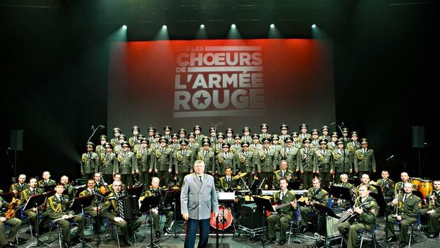 Dvainosemdeset odstotkov Zbora, orkestra in baleta Rdeče armade je iz vrst vojske. (foto: Story Press)