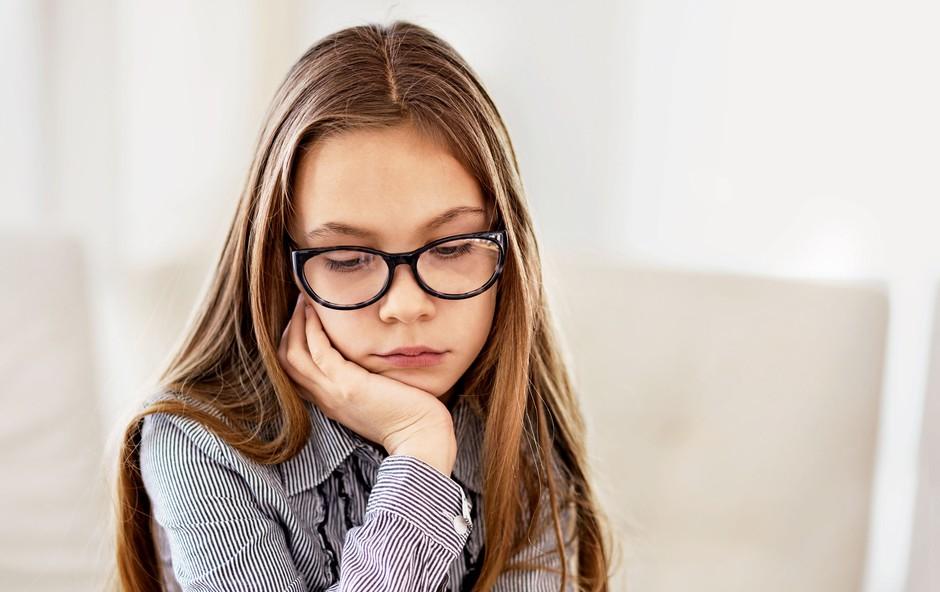 Ana Bešter Bertoncelj v kolumni o tem, zakaj je dobro, da je otroku kdaj dolgčas (foto: Shutterstock)