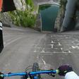 Odštekan posnetek slovenskega gorskega kolesarja Primoža Ravnika objavljajo celo zvezdniki