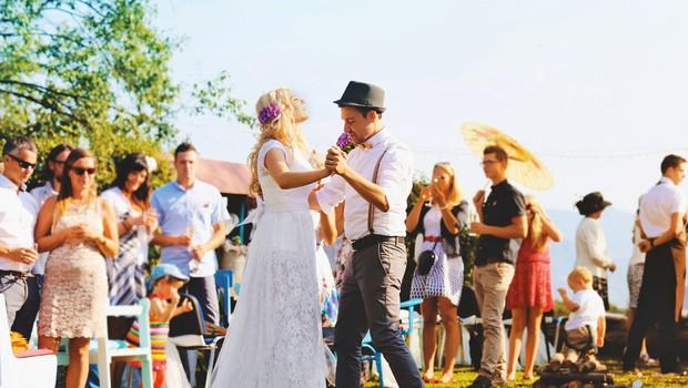 Meri Verbnjak: Poroka na travniku (foto: Claudio Sobolčec in Katja Skornšek)
