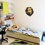 Tudi Janijev sinček Taj je  dobil novo sobico. Trenutno  so pri njem aktualni  minioni. (foto: Goran Antley)
