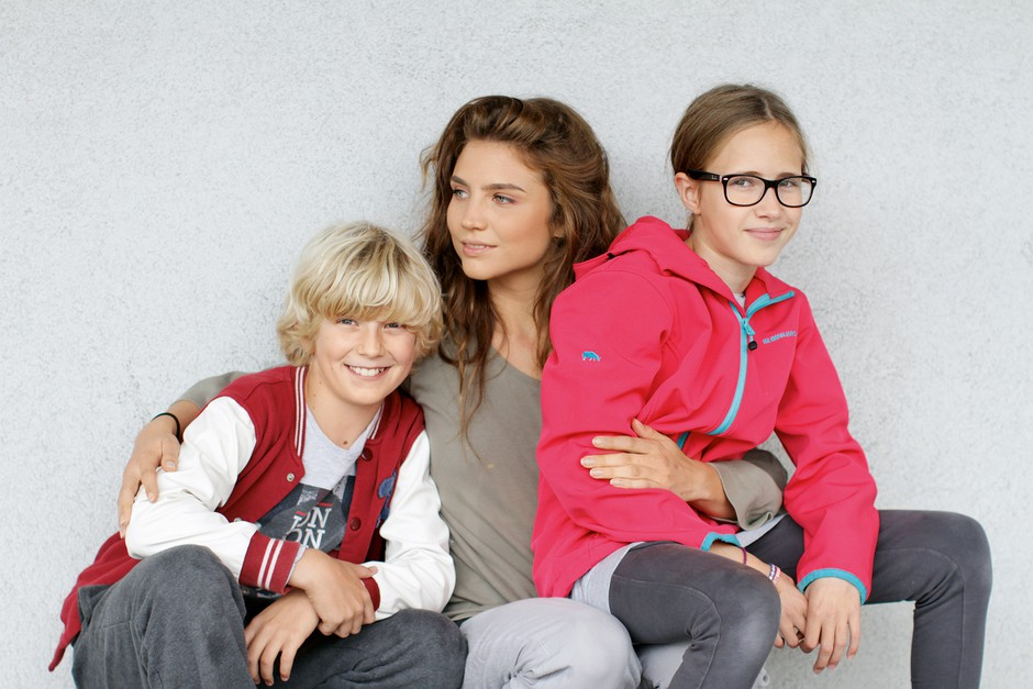 Inja, Enja in Matic so na snemanjih razvili že pravo prijateljstvo. (foto: Trojica iz priljubljene serije)
