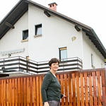 Alenka se iz hiše  naBrezovici konec  leta seli v Dragomer,  kjer že dlje časa  prenavljajo stanovanje. (foto: Goran Antley)