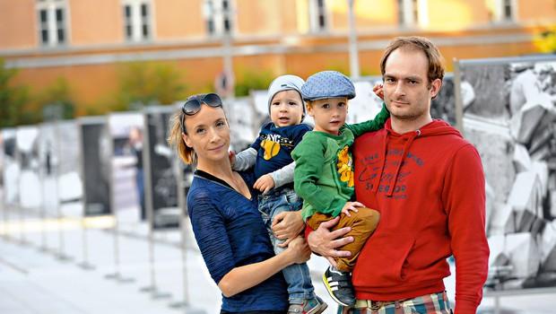 Simpatični družinici se je Lovro Lev pridružil lanskega marca. (foto: Primož Predalič)