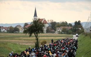 Rdeči križ Slovenije poleg hrane, oblačil in odej tisočem nudil prvo pomoč, združil štirideset družin