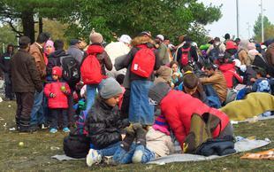 Rdeči križ Slovenije pomagal več kot šestdeset tisoč ljudem, združil osemdeset družin
