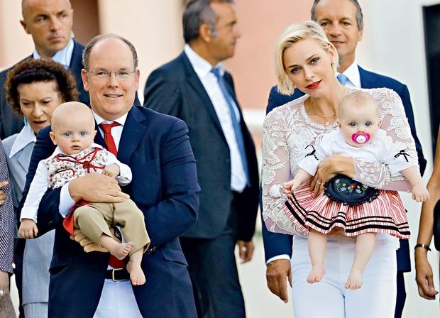 Knez Albert in princesa Charlene sta najbolj ponosna na svoja otroka, princa Jacquesa in princeso Gabrielle. (foto: Profimedia)