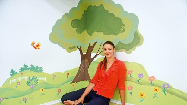Nina je kot profesorica angleškega in italijanskega jezika po rojstvu hčerke odprla prvi center Helen Doron. (foto: Lea Press)