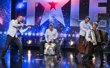 Obetajo se nam spektakularni zaključki šova Slovenija ima talent!