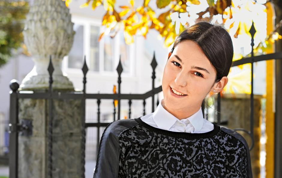 """""""Najraje bi nastopila  na reviji modnih  znamk Givenchy in Balmain."""" (foto: Primož Predalič)"""