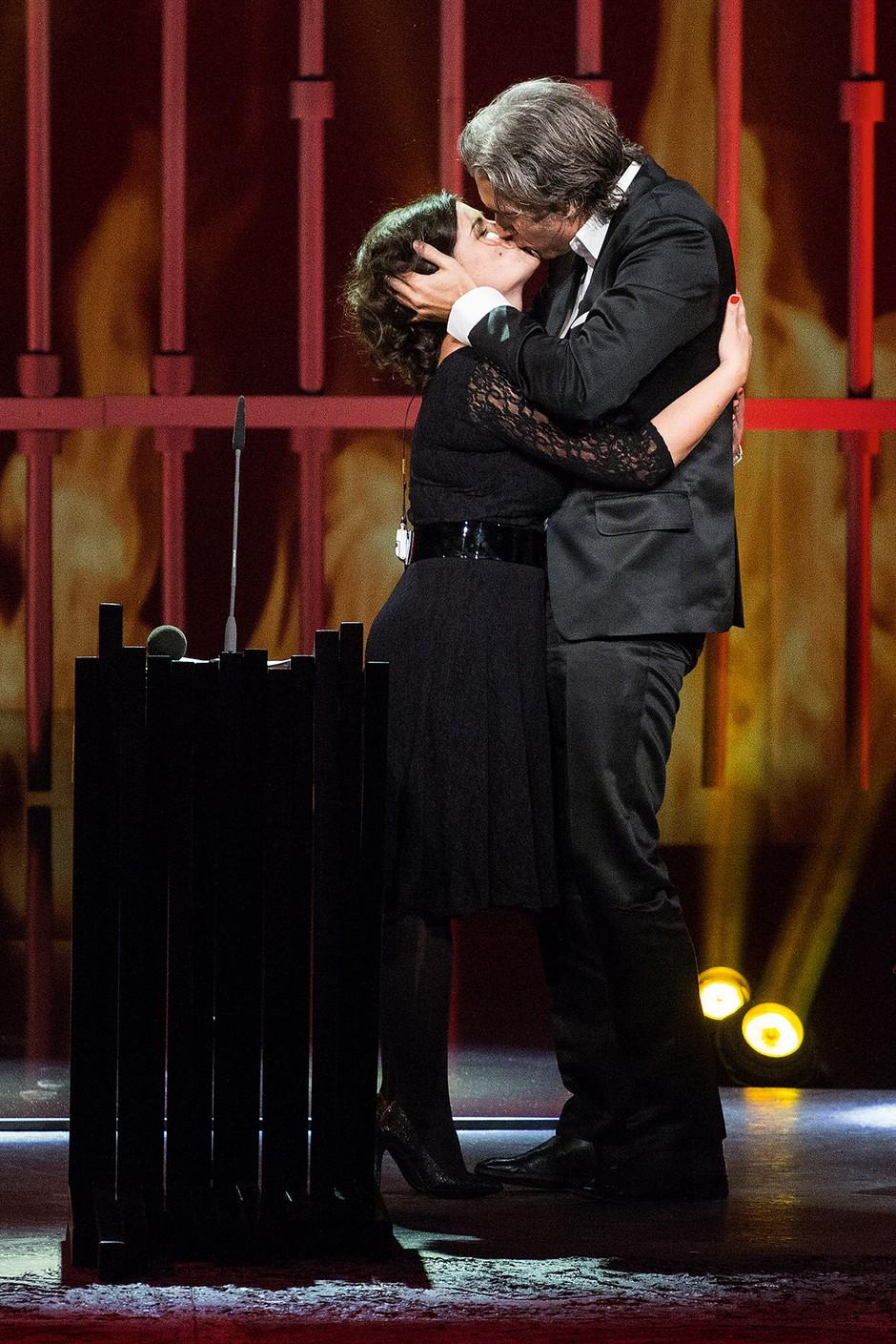Ana Maria Mitić je prva ženska, ki jo je Jan Plestenjak poljubil v javnosti. (foto: Lea Press)