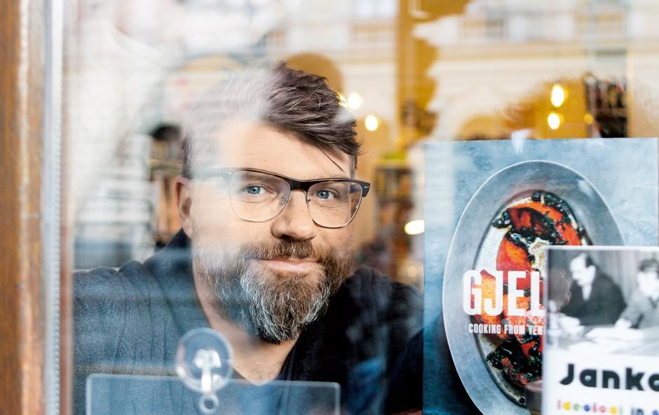 Luka Novak: Ljudje kupujejo knjige, pretiravajo pa še ne (foto: Goran Antley)