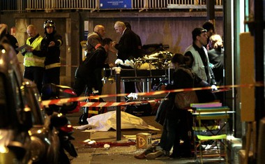 Odzivi na krvavi petek 13. v Parizu!
