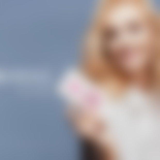 Zapestnica Sailbrace v rožnatem odtenku modne stilistke Tjaše Kokalj
