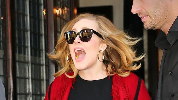 Adele je za hece! Maskirana se je pomešala med imitatorke in ... (foto: profimedia)