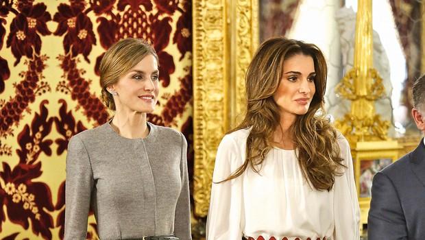 Kot pravi manekenki. Popolna linija in izdelan slog.  Lepi in povrhu vsega še kraljici. (foto: Profimedia)