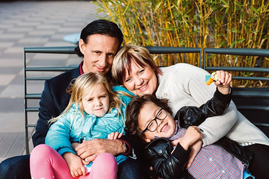 Smiljan in Helena sta po desetih letih našla svojo srečo in si ustvarila čudovito družino. (foto: Nino Verdnik)