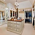 Kot garsonjera Garderobna soba v velikosti  manjše garsonjere. (foto: Lea)