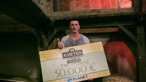 Kmetija: Nov začetek! Prejemnik zmagovalnega čeka za 50.000 evrov je Faki! (foto: Klemen Korenjak)
