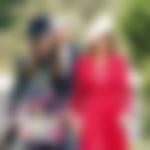 Pippa z mamo, ki bi bila verjetno zelo zadovoljna, če bi se še druga hčerka poročila na britanski dvor.