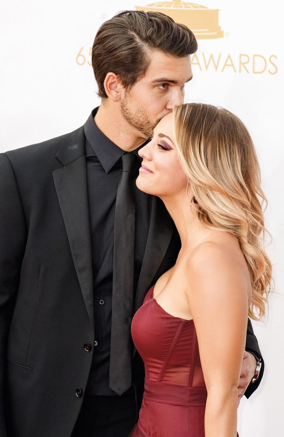 Kaley Cuoco in Ryan Sweeting sta po zakonskih vodah plula le 21 mesecev. (foto: Profimedia)