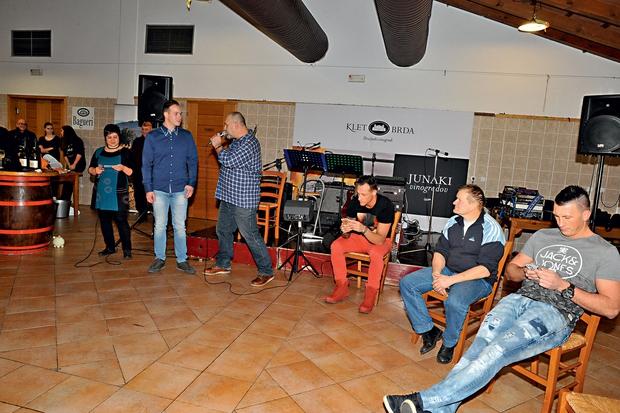 Faki & Maruša: Fizično obračunala na zabavi (foto: Lea Press)