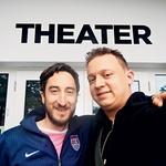 V ozadju zamisli o interaktivni gledališki video igrici sta Andrej Zupanec in Luka Cimprič. (foto: Lea Press)