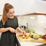 Sama rada kuham, ne maram pa kuhati le zase. Kadar kuham za več ljudi , postanem naporna, saj mora biti vse popolno. (foto: Helena Krmelj, Primož Predalič)