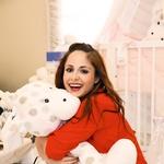 Ana je v osmem mesecu nosečnosti, zato že nestrpno pričakuje dan, ko bosta z Miho na svetu pozdravila sinčka ali hčerkico.   (foto: Lea Press)