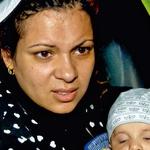 V Idomeni otroci pridejo bolni, nekateri celo s pljučnico.  (foto: Lea Press)