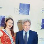 Ana je na dobrodelnem dogodku spoznala  tudi slavnega hollywoodskega  igralca Harrisona Forda, s katerim je  poklepetala o svoji izkušnji z epilepsijo. (foto: Profimedia)